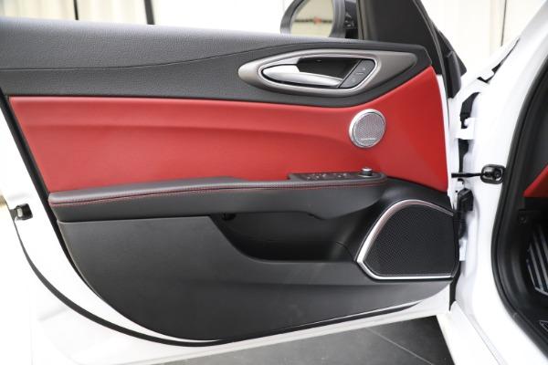 New 2020 Alfa Romeo Giulia Ti Sport Q4 for sale Call for price at Rolls-Royce Motor Cars Greenwich in Greenwich CT 06830 17