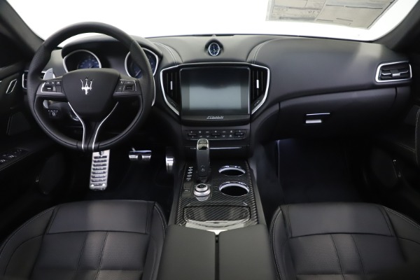 New 2019 Maserati Ghibli S Q4 GranSport for sale $100,695 at Rolls-Royce Motor Cars Greenwich in Greenwich CT 06830 16