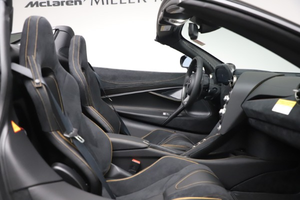 New 2020 McLaren 720S Spider Performance for sale $384,930 at Rolls-Royce Motor Cars Greenwich in Greenwich CT 06830 26