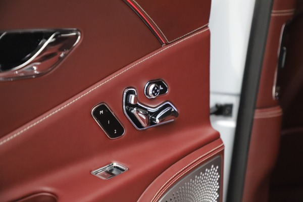 Used 2020 Bentley Flying Spur W12 for sale $259,900 at Rolls-Royce Motor Cars Greenwich in Greenwich CT 06830 26