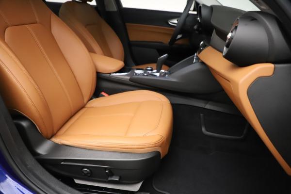 New 2020 Alfa Romeo Giulia Ti Q4 for sale $51,145 at Rolls-Royce Motor Cars Greenwich in Greenwich CT 06830 24