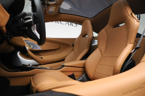 New 2020 McLaren GT Coupe for sale $236,675 at Rolls-Royce Motor Cars Greenwich in Greenwich CT 06830 16