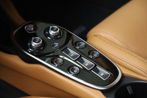 New 2020 McLaren GT Luxe for sale $236,675 at Rolls-Royce Motor Cars Greenwich in Greenwich CT 06830 18