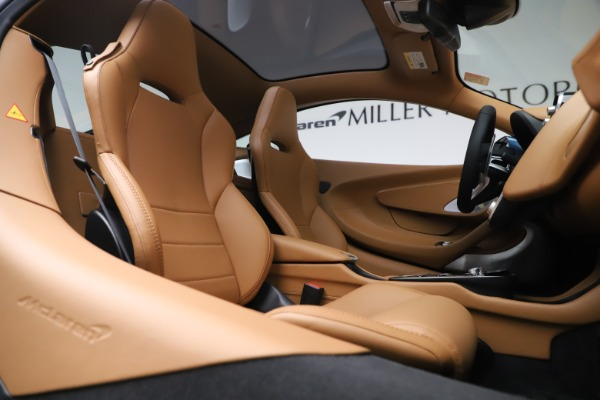Used 2020 McLaren GT Luxe for sale $209,990 at Rolls-Royce Motor Cars Greenwich in Greenwich CT 06830 21