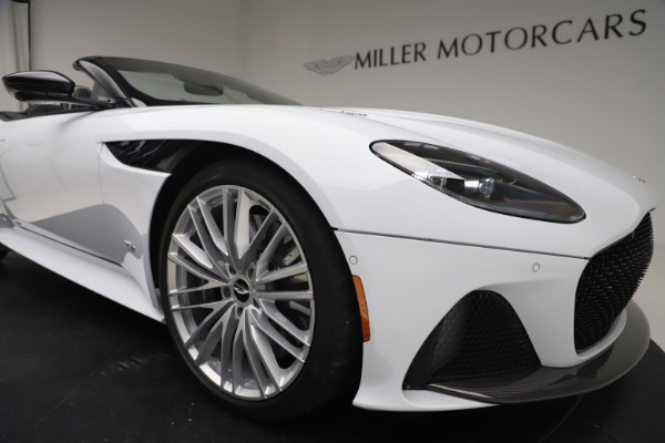 New 2020 Aston Martin DBS Superleggera Volante Convertible for sale $353,931 at Rolls-Royce Motor Cars Greenwich in Greenwich CT 06830 24