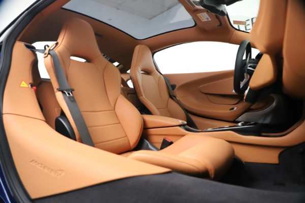 New 2020 McLaren GT Coupe for sale $244,675 at Rolls-Royce Motor Cars Greenwich in Greenwich CT 06830 20