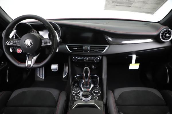 New 2020 Alfa Romeo Giulia Quadrifoglio for sale Sold at Rolls-Royce Motor Cars Greenwich in Greenwich CT 06830 16