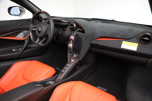 New 2020 McLaren 720S Spider Performance for sale $386,289 at Rolls-Royce Motor Cars Greenwich in Greenwich CT 06830 23