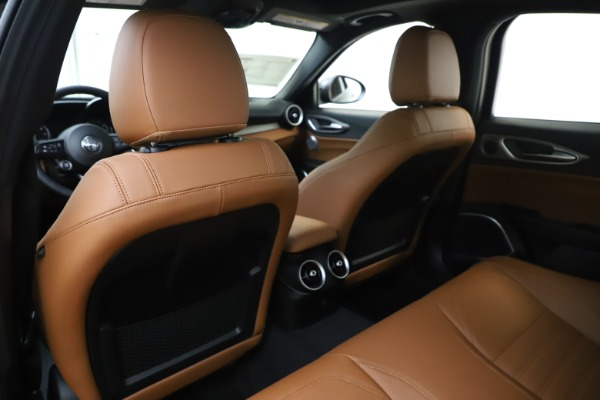 New 2020 Alfa Romeo Giulia Ti Sport Q4 for sale $54,995 at Rolls-Royce Motor Cars Greenwich in Greenwich CT 06830 20