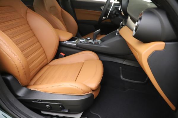 New 2020 Alfa Romeo Giulia Ti Sport Q4 for sale $54,995 at Rolls-Royce Motor Cars Greenwich in Greenwich CT 06830 24