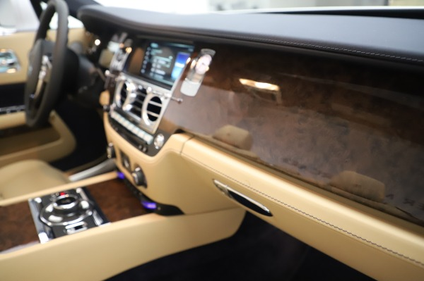 New 2020 Rolls-Royce Dawn for sale Sold at Rolls-Royce Motor Cars Greenwich in Greenwich CT 06830 27