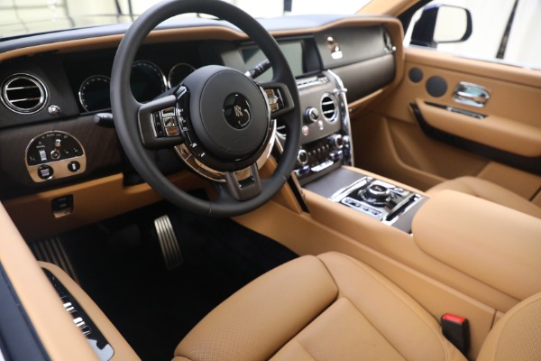 Used 2020 Rolls-Royce Cullinan for sale Call for price at Rolls-Royce Motor Cars Greenwich in Greenwich CT 06830 15