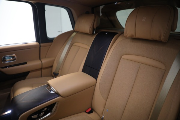 Used 2020 Rolls-Royce Cullinan for sale Call for price at Rolls-Royce Motor Cars Greenwich in Greenwich CT 06830 18