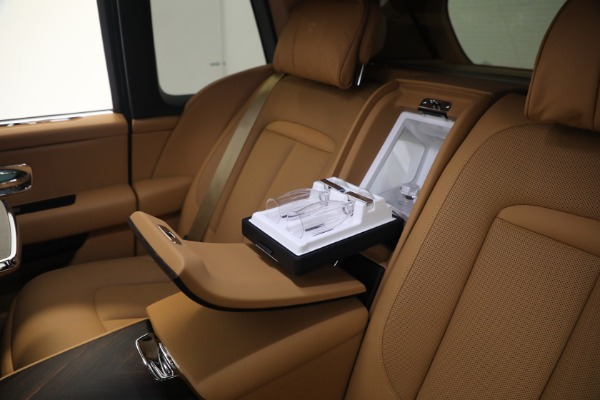 Used 2020 Rolls-Royce Cullinan for sale Call for price at Rolls-Royce Motor Cars Greenwich in Greenwich CT 06830 21
