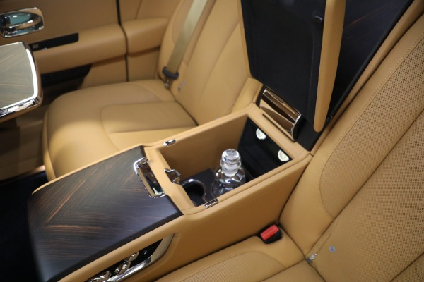 Used 2020 Rolls-Royce Cullinan for sale Call for price at Rolls-Royce Motor Cars Greenwich in Greenwich CT 06830 22