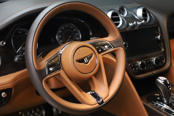 Used 2017 Bentley Bentayga W12 for sale Sold at Rolls-Royce Motor Cars Greenwich in Greenwich CT 06830 18