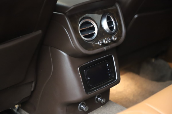 Used 2017 Bentley Bentayga W12 for sale Sold at Rolls-Royce Motor Cars Greenwich in Greenwich CT 06830 28