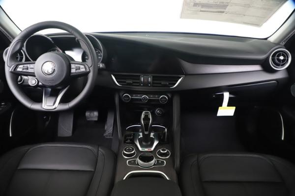 New 2020 Alfa Romeo Giulia Ti Q4 for sale $37,900 at Rolls-Royce Motor Cars Greenwich in Greenwich CT 06830 16