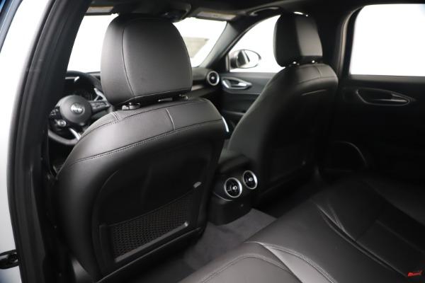 New 2020 Alfa Romeo Giulia Sport Q4 for sale $49,145 at Rolls-Royce Motor Cars Greenwich in Greenwich CT 06830 20