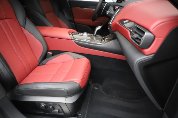 New 2020 Maserati Levante S Q4 GranSport for sale $99,985 at Rolls-Royce Motor Cars Greenwich in Greenwich CT 06830 24
