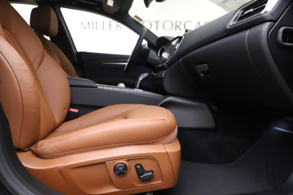 New 2020 Maserati Ghibli S Q4 for sale $82,385 at Rolls-Royce Motor Cars Greenwich in Greenwich CT 06830 23