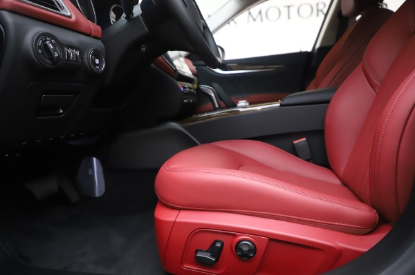 New 2020 Maserati Ghibli S Q4 for sale Sold at Rolls-Royce Motor Cars Greenwich in Greenwich CT 06830 14