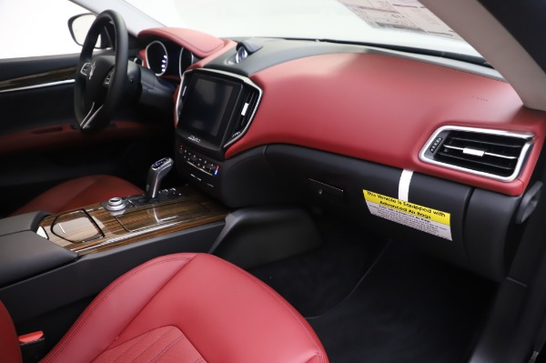 New 2020 Maserati Ghibli S Q4 for sale Sold at Rolls-Royce Motor Cars Greenwich in Greenwich CT 06830 22