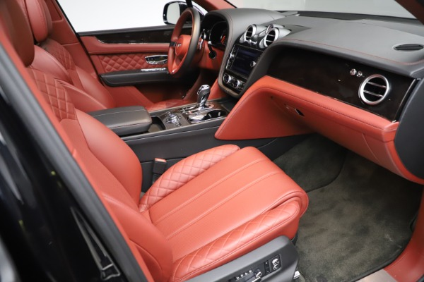 Used 2017 Bentley Bentayga W12 for sale $145,900 at Rolls-Royce Motor Cars Greenwich in Greenwich CT 06830 25