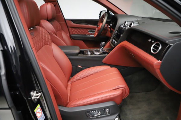 Used 2017 Bentley Bentayga W12 for sale $145,900 at Rolls-Royce Motor Cars Greenwich in Greenwich CT 06830 26