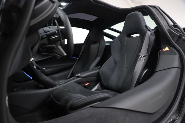 New 2020 McLaren 720S Coupe for sale $349,050 at Rolls-Royce Motor Cars Greenwich in Greenwich CT 06830 22