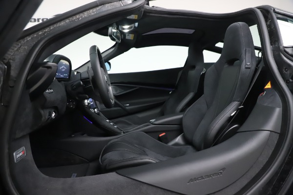 New 2020 McLaren 720S Coupe for sale $347,550 at Rolls-Royce Motor Cars Greenwich in Greenwich CT 06830 19