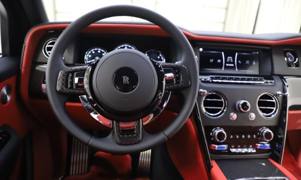 New 2020 Rolls-Royce Cullinan Black Badge for sale $433,950 at Rolls-Royce Motor Cars Greenwich in Greenwich CT 06830 19
