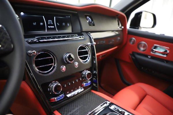 New 2020 Rolls-Royce Cullinan Black Badge for sale $433,950 at Rolls-Royce Motor Cars Greenwich in Greenwich CT 06830 23