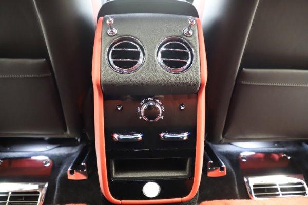 New 2020 Rolls-Royce Cullinan Black Badge for sale $433,950 at Rolls-Royce Motor Cars Greenwich in Greenwich CT 06830 25