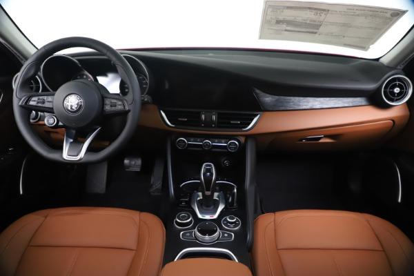 New 2020 Alfa Romeo Giulia Q4 for sale $46,395 at Rolls-Royce Motor Cars Greenwich in Greenwich CT 06830 16