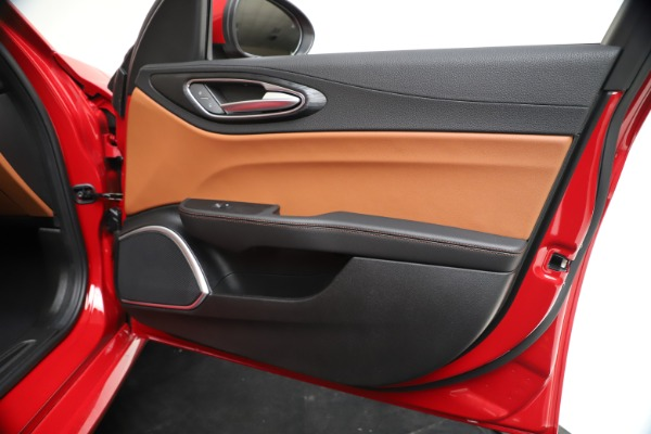 New 2020 Alfa Romeo Giulia Q4 for sale $46,395 at Rolls-Royce Motor Cars Greenwich in Greenwich CT 06830 25