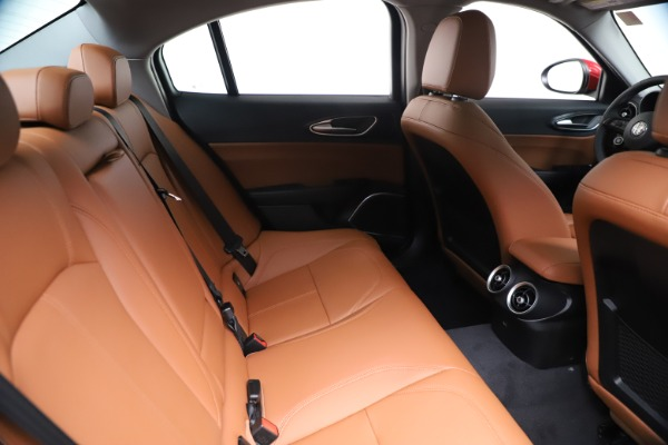 New 2020 Alfa Romeo Giulia Q4 for sale $46,395 at Rolls-Royce Motor Cars Greenwich in Greenwich CT 06830 27