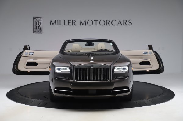 Used 2017 Rolls-Royce Dawn Base for sale $248,900 at Rolls-Royce Motor Cars Greenwich in Greenwich CT 06830 10