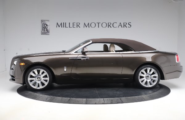 Used 2017 Rolls-Royce Dawn Base for sale $248,900 at Rolls-Royce Motor Cars Greenwich in Greenwich CT 06830 14