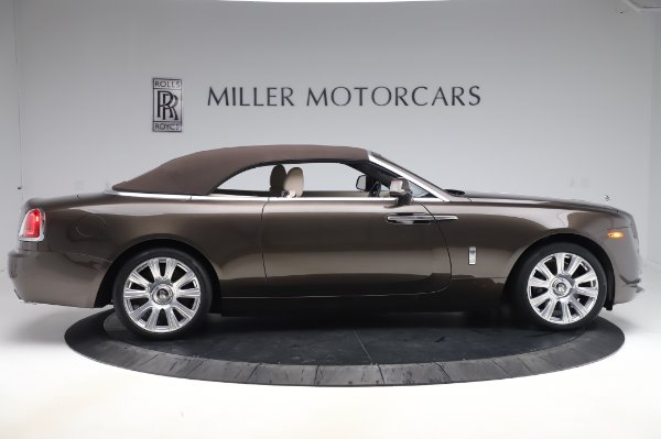 Used 2017 Rolls-Royce Dawn Base for sale $248,900 at Rolls-Royce Motor Cars Greenwich in Greenwich CT 06830 18