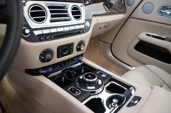 Used 2017 Rolls-Royce Dawn for sale $248,900 at Rolls-Royce Motor Cars Greenwich in Greenwich CT 06830 28