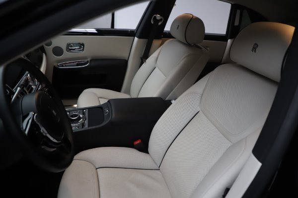 Used 2015 Rolls-Royce Ghost for sale $156,900 at Rolls-Royce Motor Cars Greenwich in Greenwich CT 06830 12