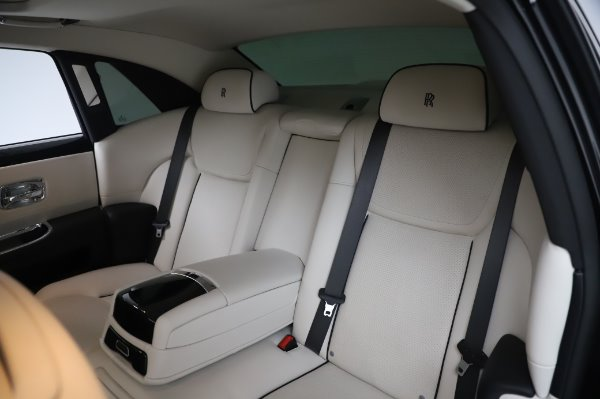 Used 2015 Rolls-Royce Ghost for sale $156,900 at Rolls-Royce Motor Cars Greenwich in Greenwich CT 06830 14