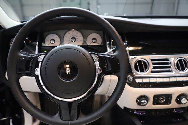Used 2015 Rolls-Royce Ghost for sale $156,900 at Rolls-Royce Motor Cars Greenwich in Greenwich CT 06830 19