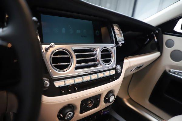 Used 2015 Rolls-Royce Ghost for sale $156,900 at Rolls-Royce Motor Cars Greenwich in Greenwich CT 06830 23
