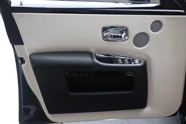 Used 2015 Rolls-Royce Ghost for sale $156,900 at Rolls-Royce Motor Cars Greenwich in Greenwich CT 06830 27
