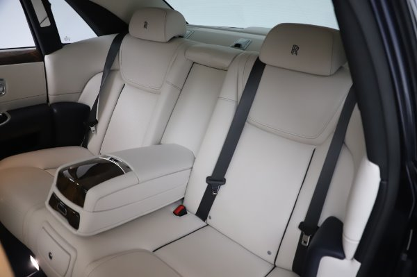 Used 2016 Rolls-Royce Ghost for sale $173,900 at Rolls-Royce Motor Cars Greenwich in Greenwich CT 06830 14