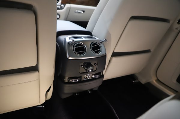 Used 2016 Rolls-Royce Ghost for sale Sold at Rolls-Royce Motor Cars Greenwich in Greenwich CT 06830 25