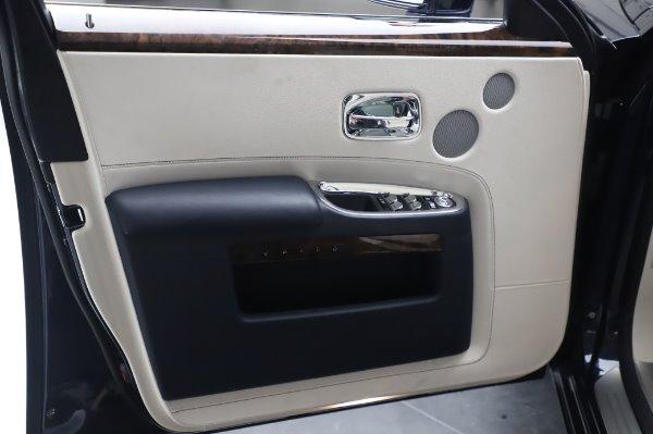 Used 2016 Rolls-Royce Ghost for sale $173,900 at Rolls-Royce Motor Cars Greenwich in Greenwich CT 06830 27