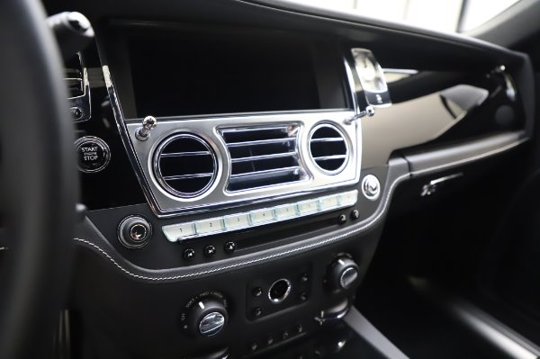 Used 2018 Rolls-Royce Ghost for sale $247,900 at Rolls-Royce Motor Cars Greenwich in Greenwich CT 06830 17
